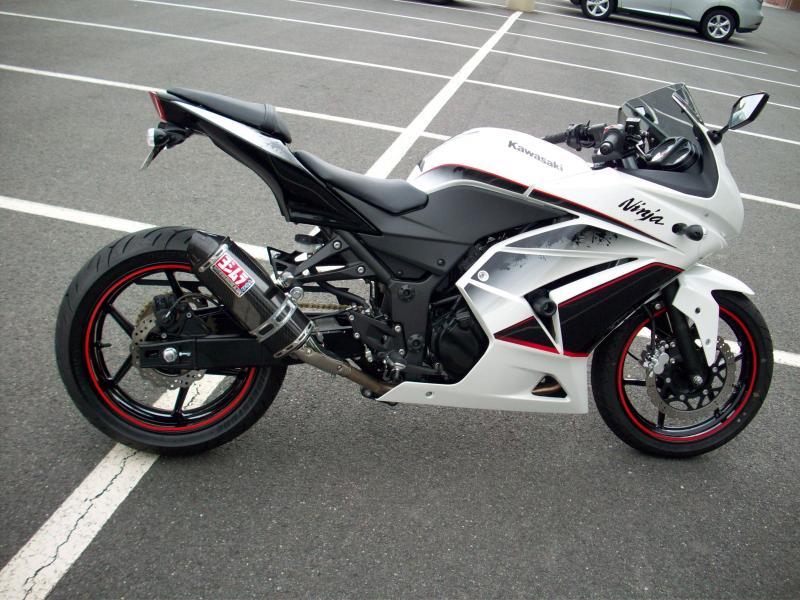 2011 kawasaki ninja 250r se w/ a 180 rear tire - kawiforums