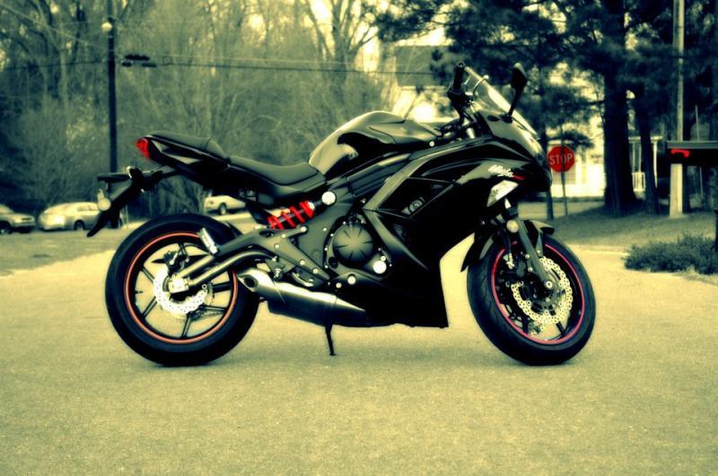 My new 2012 Kawasaki Ninja 650!-402012_10150702899515429_562290428_11819425_1147347841_n.jpg