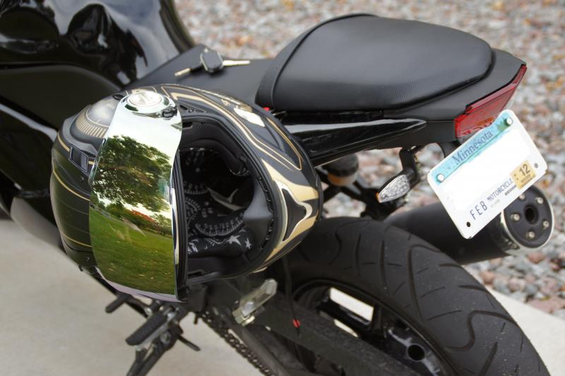 Yamaha R Version  Helmet Lock
