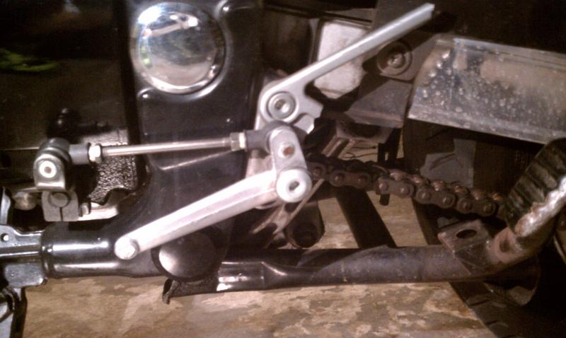 broken left foot peg/gear shifter-imag0029.jpg