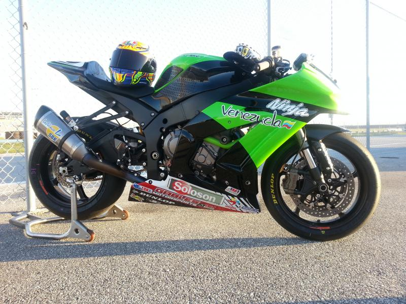 My precious 2012 ZX10 R race bike-img_4986-1-.jpg