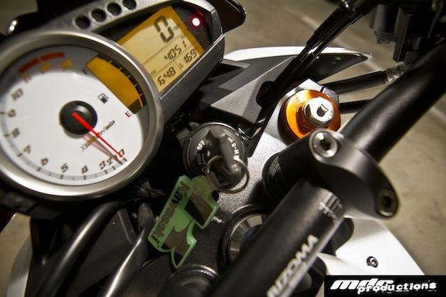 FS08 Kawasaki Z1000 W EXtras