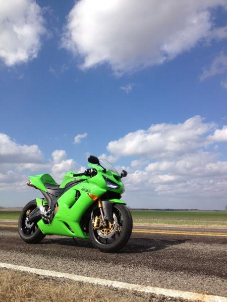 everyone post a pic of their 05-06-zx-6rr_7.jpg